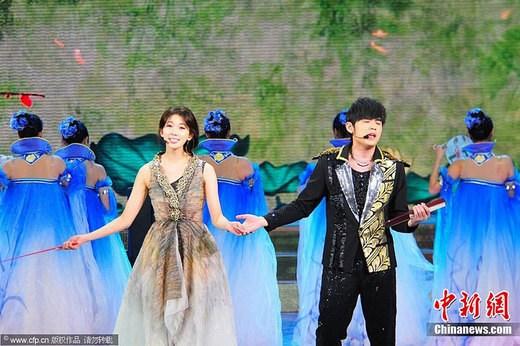 周杰伦,林志玲带来歌曲《兰亭》.图片来源:cfp视觉中国图片