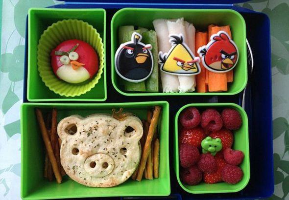 英国母亲为儿子做卡通创意午餐 可爱又健康(图)