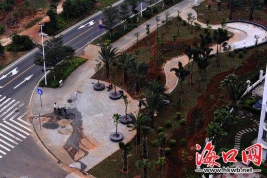新改建街心街边小游园,修建塑胶跑道,实施亮灯工程……为了扮靓