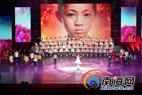残疾儿童表演节目.南国都市报记者陈卫东摄