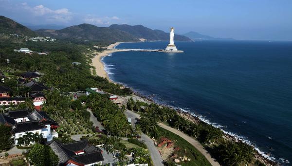 资料图:三亚南山景区海滨风光.