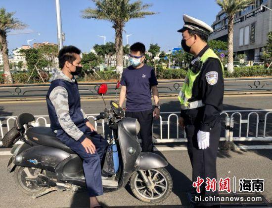 海口公安交警等多部门联合开展电动自行车整治行动