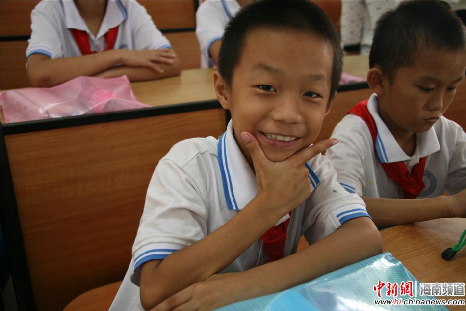 关爱聋哑儿童(24)