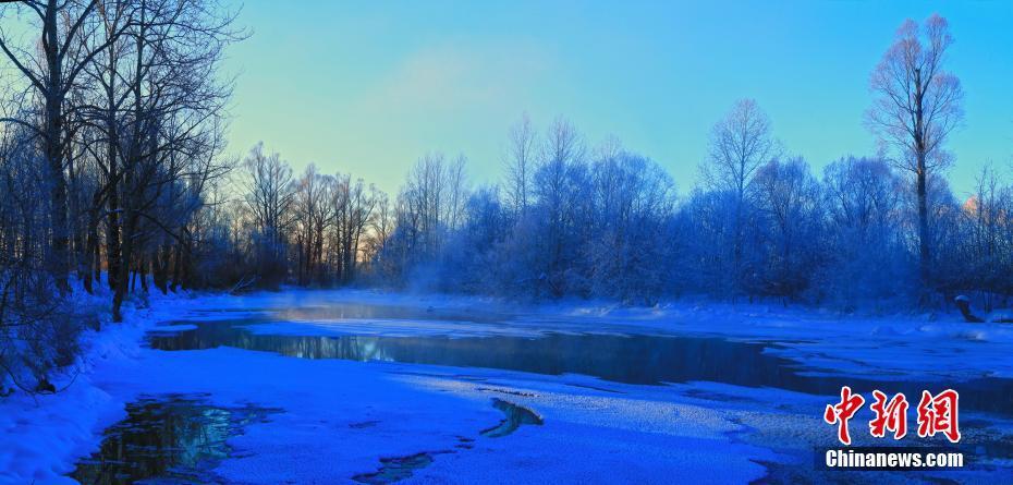 内蒙古呼伦贝尔根河,大兴安岭森林地理风光,冰雪河流,冰河雾凇雪景