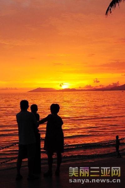 夕陽海邊情侶頭像一對背影圖片