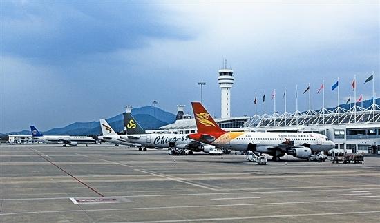 三亚凤凰国际机场停机坪